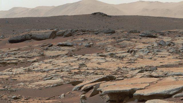 Un lac souterrain d'eau liquide large de 20 km a été détecté sur Mars, contenant un volume d'eau inédit (image d'illustration). [AFP]