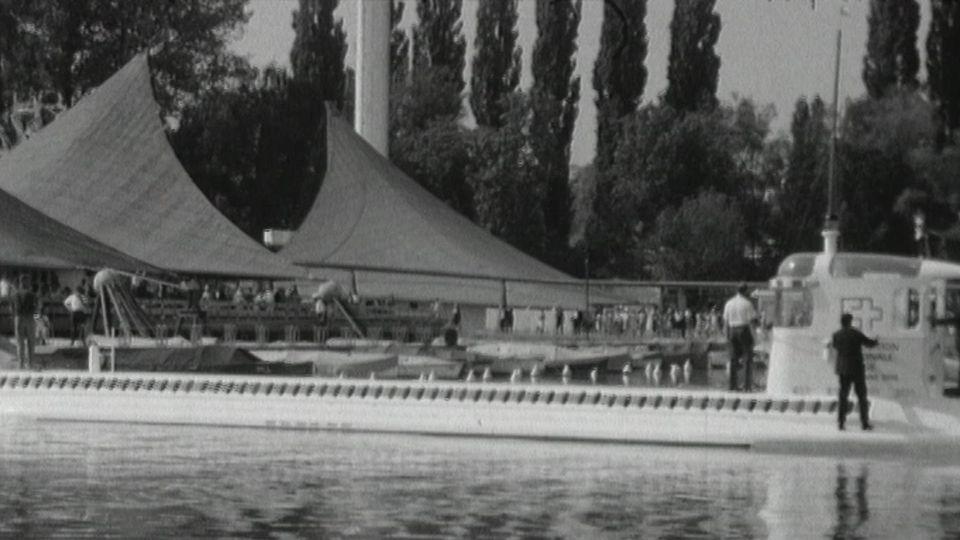 Arrivée du Mésoscaphe à l'exposition nationale en 1964. [RTS]