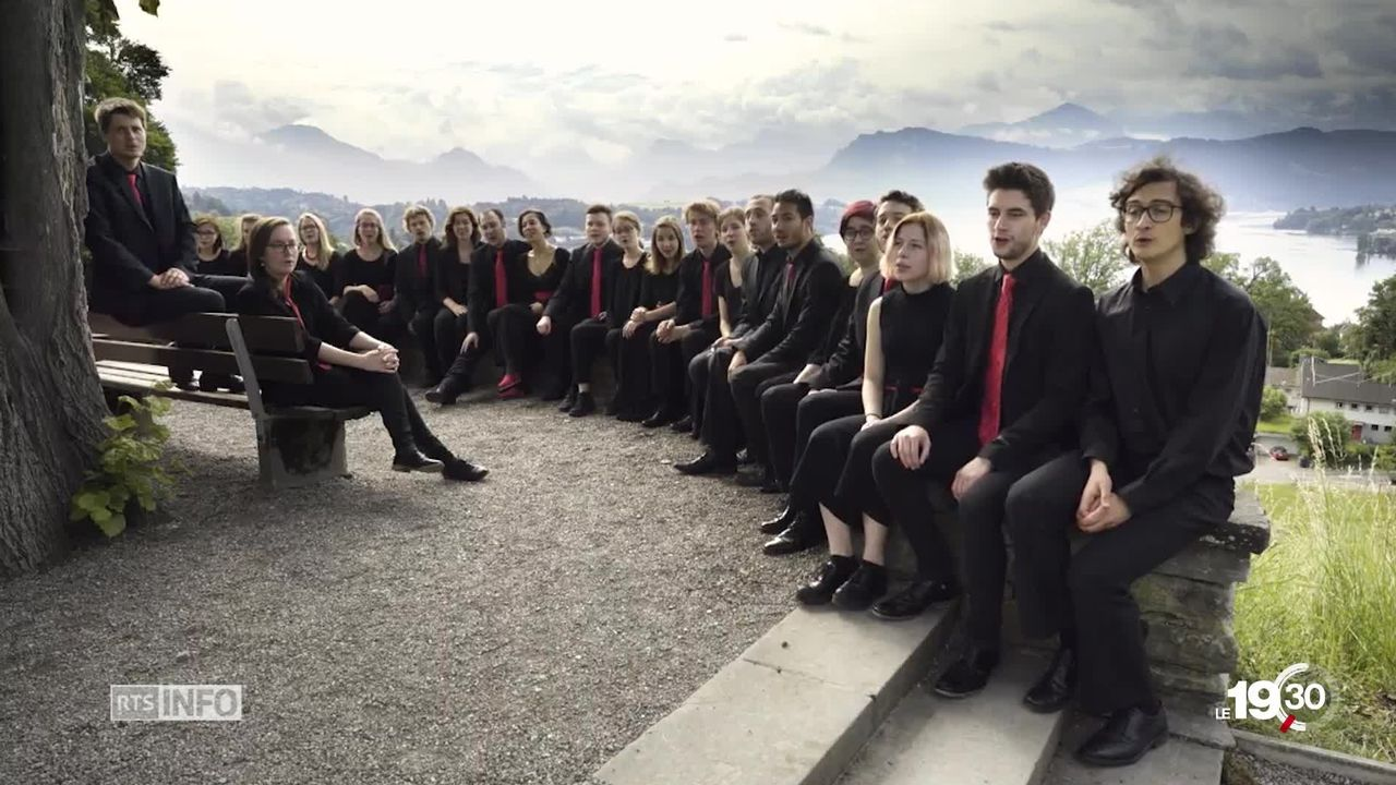 Hymne national: une nouvelle strophe avait été adoptée lors d'un concours populaire. Mais trois ans après, elle reste boudée [RTS]