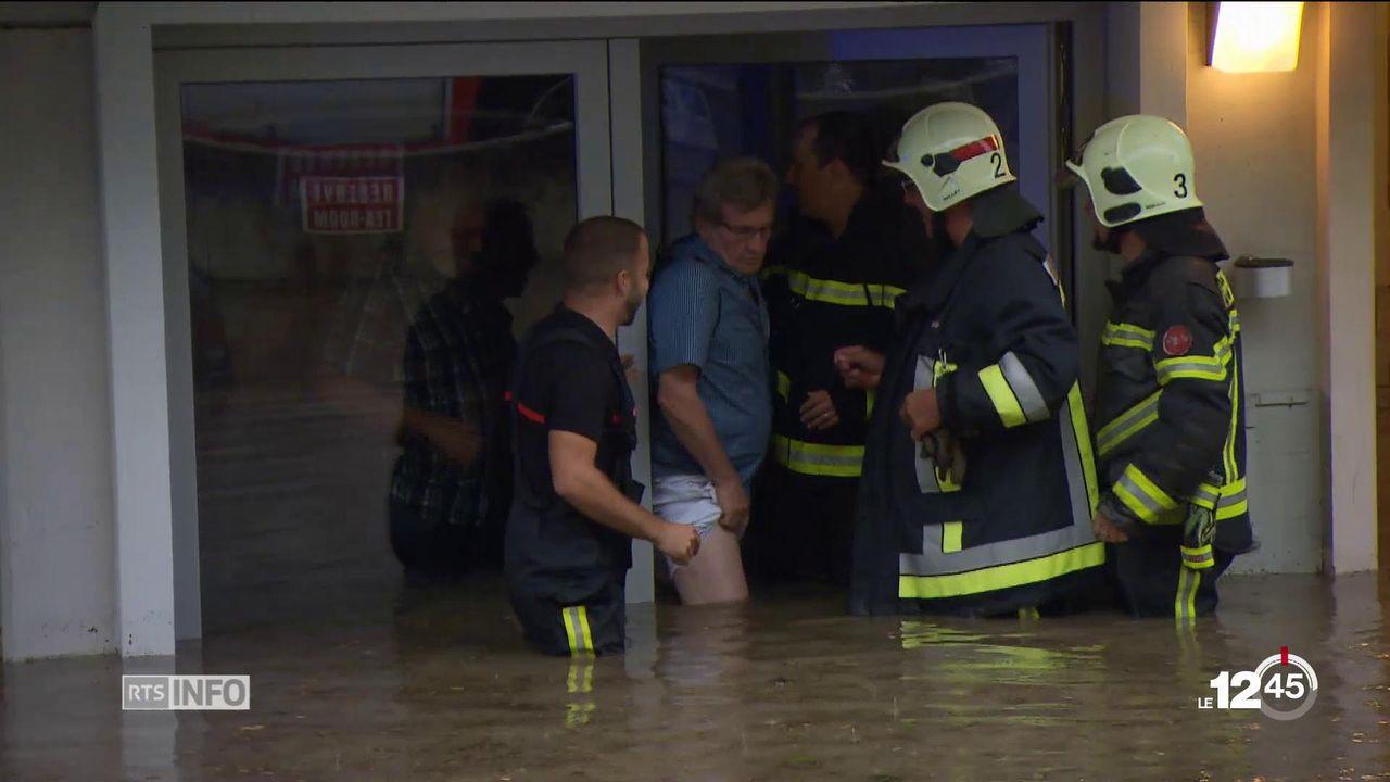 Le Valais central balayé hier soir par un violent orage: caves inondées, routes submergées, habitations les pieds dans l'eau [RTS]