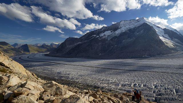 Les glaciers, (ici Aletsch), diminuent d'année en année à cause du réchauffement climatique. [Denis Balibouse - Keystone]