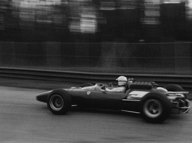 Voiture de course Ferrari, 1967. [RTS]
