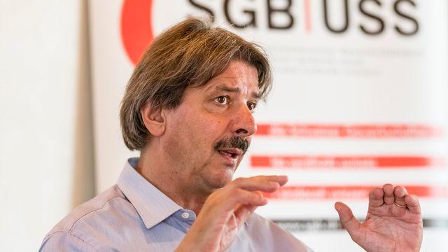 Le président de l'Union syndicale suisse (USS), Paul Rechsteiner, lors de la conférence de presse sur les relations Suisse-UE le 8 août. [Thomas Hodel - Keystone]