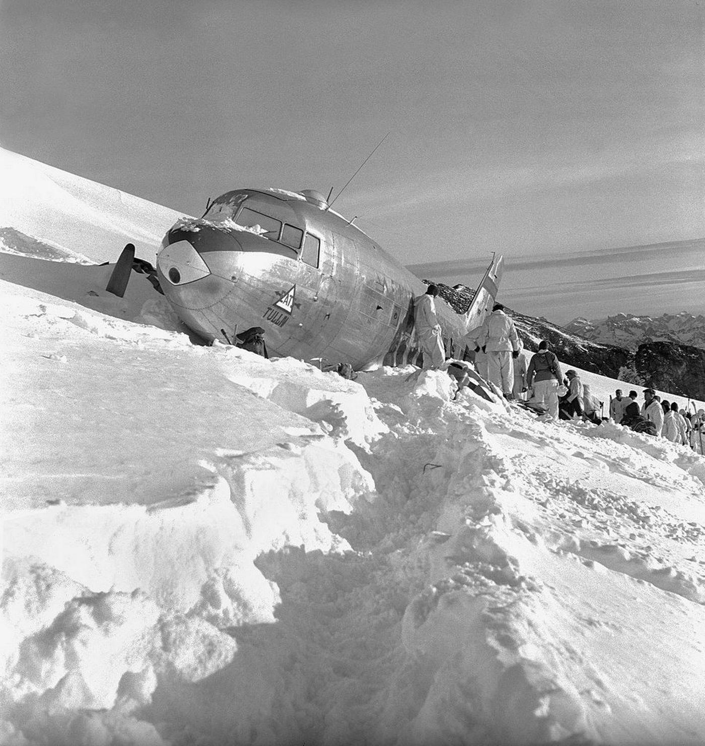 Les 12 passagers avaient survécu durant cinq jours à 3350 mètres d'altitude.