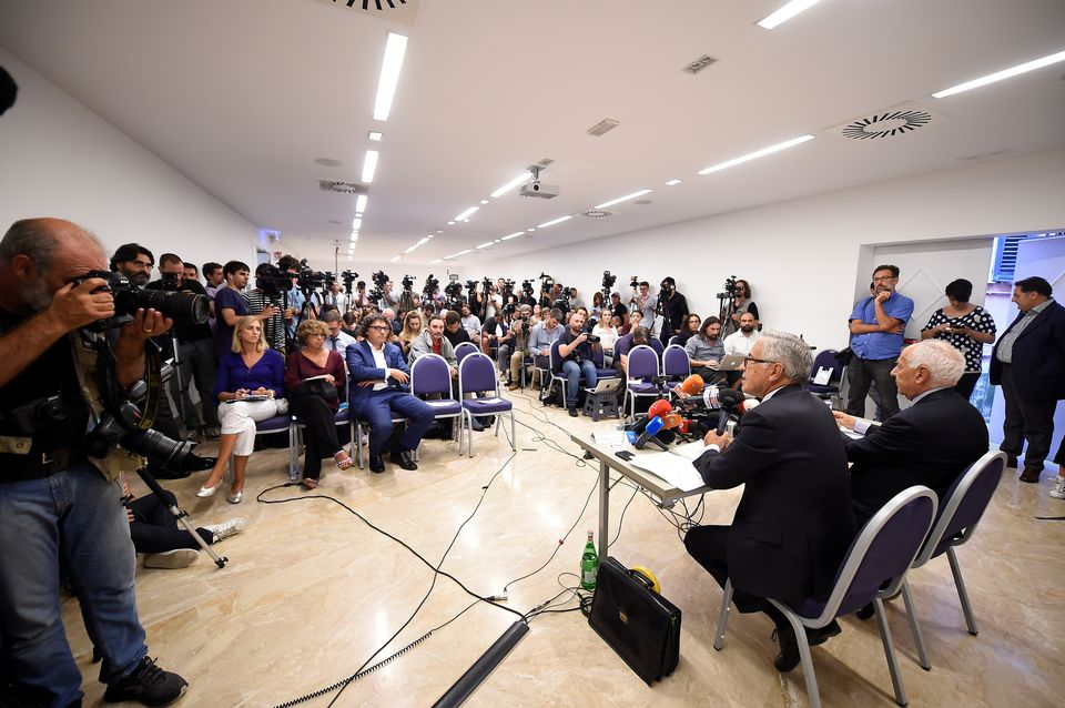 Les dirigeants d'Autostrade devant la presse à Gênes samedi 18 août. [Massimo Pinca - Reuters]