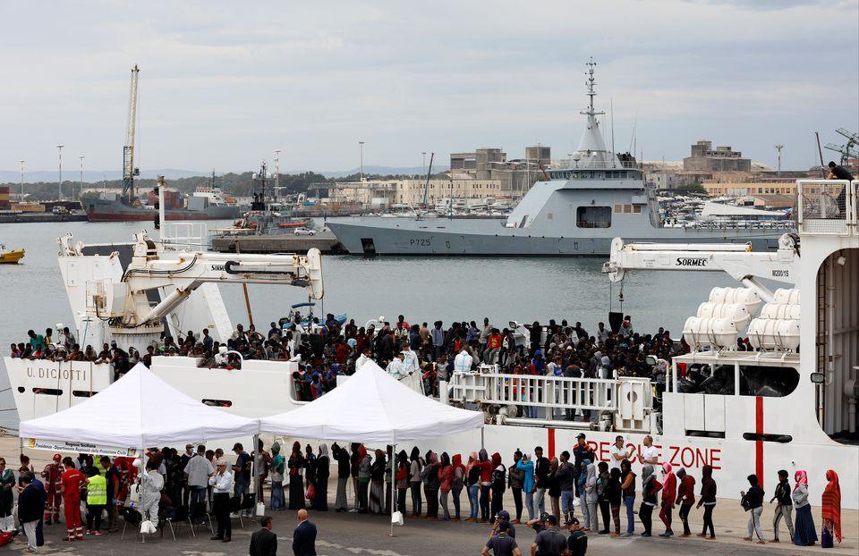Des migrants débarquant du navire Diciotti en juin 2018 (image d'illustration). [Antonio Parrinello - Reuters]