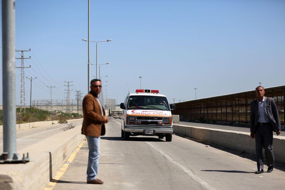 Une ambulance palestinienne retournant à Gaza en passant par le point de passage d'Erez. [Momen Faiz / NurPhoto - AFP]
