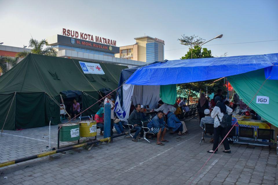 Un hôpital de fortune à Mataram, sur l'île de Lombok, ce 20 avril 2018. [STR / AFP]