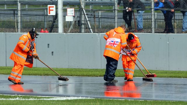 Samedi déjà, les qualifications avaient été perturbées par la pluie. [Tim Keeton - Keystone]