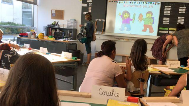 Rentrée scolaire à Bulle (FR), dans une classe de 3H. [Pierre-Etienne Joye - RTS]