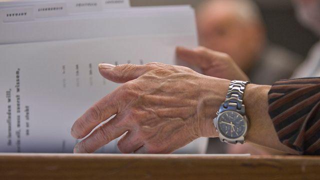 De nombreux travailleurs âgés sont menacés par les licenciements en raison de charges sociales plus élevées à partir de 45 ans. [Gaetan Bally - Keystone]