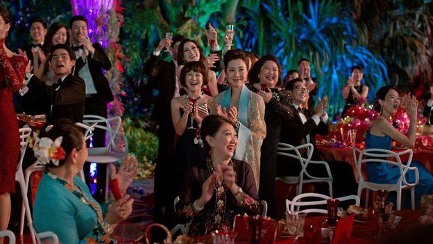 Hollywood Séduisent Play Rts CinémaLes Asiatiques Radio rEdQoeCxBW