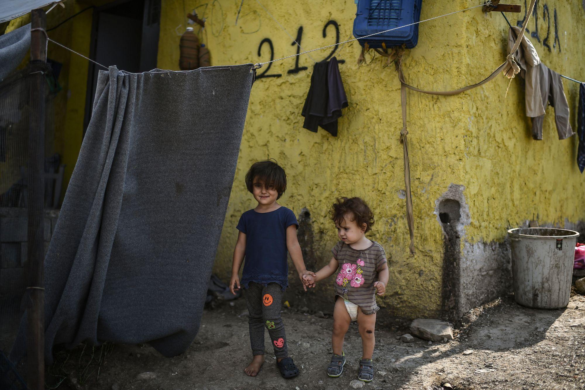 Un centre de migrants s'effondre à Lampedusa, Lega et Fdi: aucun contrôle contre le coronavirus