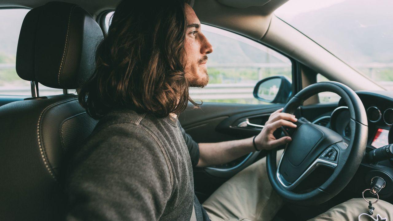Les jeunes paient plus de primes d'assurance RC auto que les plus âgés. [Eugenio Marongiu / Cultura Creative - AFP]