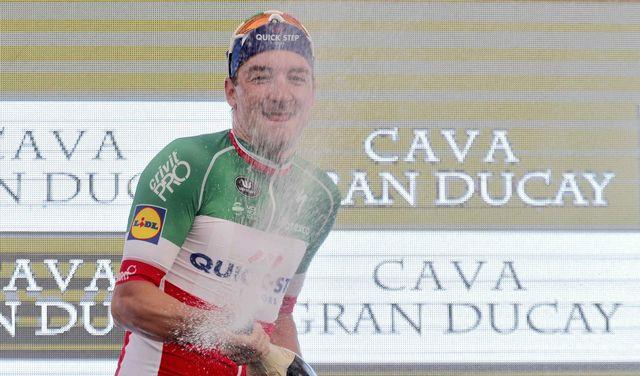 Viviani décroche sa deuxième victoire sur ce Tour d'Espagne. [Manu Bruque - Keystone]