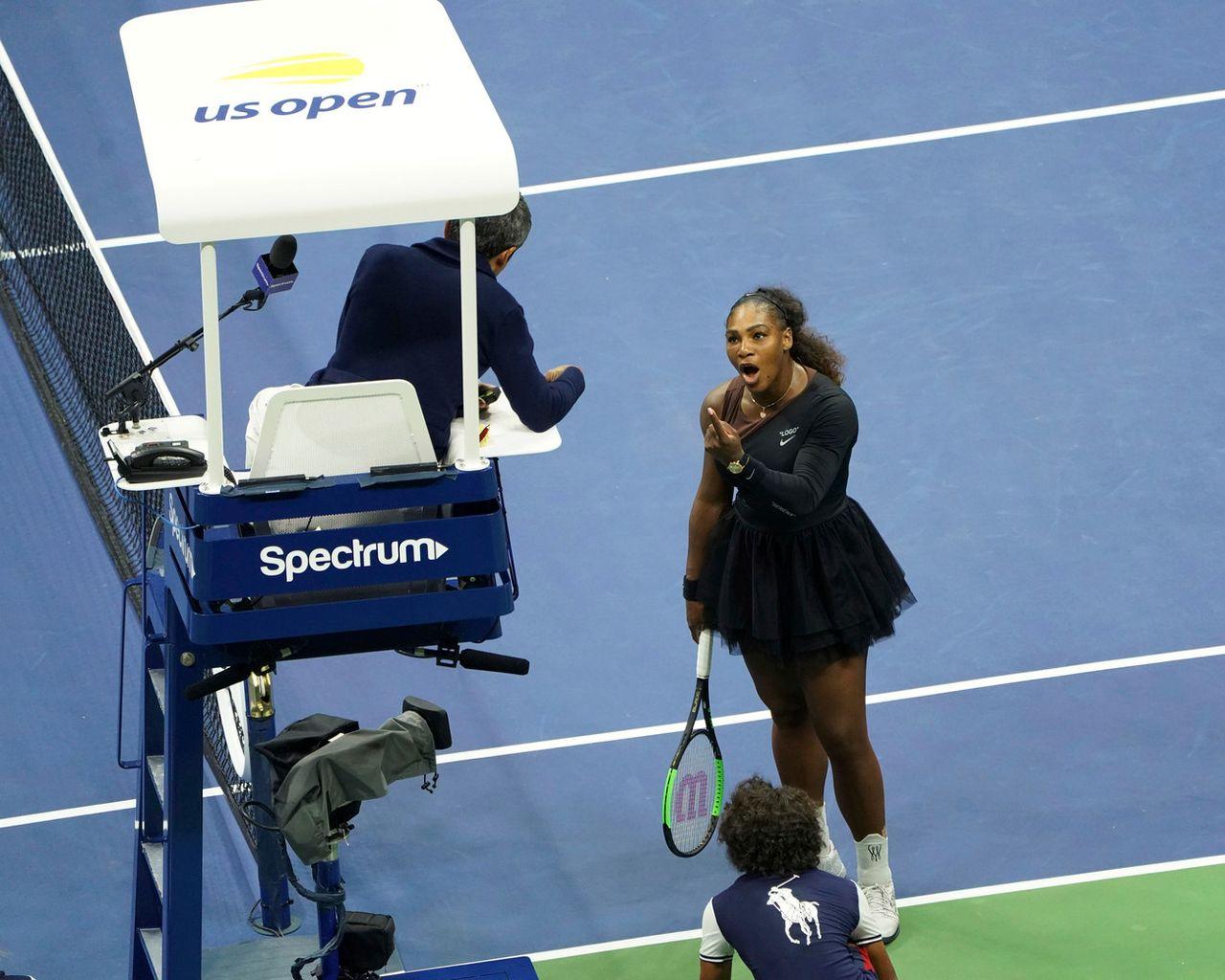 Serena Williams s'est longuement accrochée avec l'arbitre. [Greg Allen - Keystone]