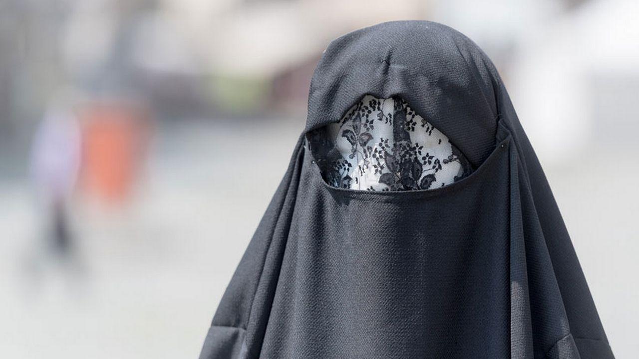 La loi saint-galloise vise à prévenir toute évolution future, même si personne ne porte la burqa aujourd'hui. [Pablo Gianinazzi - Ti-Press/Keystone]