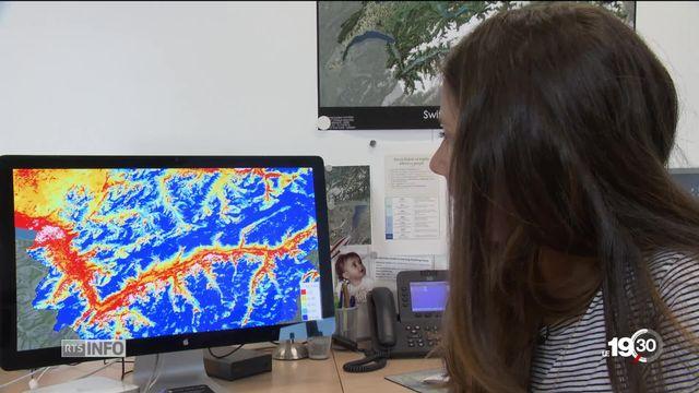 Des satellites montrent la disparition de la neige en Suisse. [RTS]