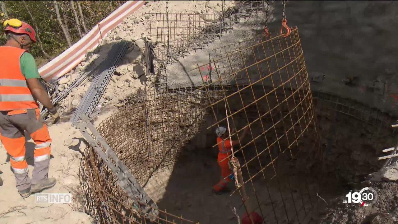 Le Parlement valaisan veut bloquer la construction par swissgrid de la ligne à très haute tension entre Chamoson et Chippis. [RTS]