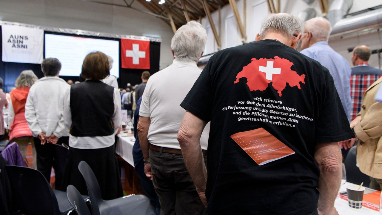L'Action pour une Suisse indépendante (ASIN) est en perte de vitesse. [Anthony Anex - Keystone]