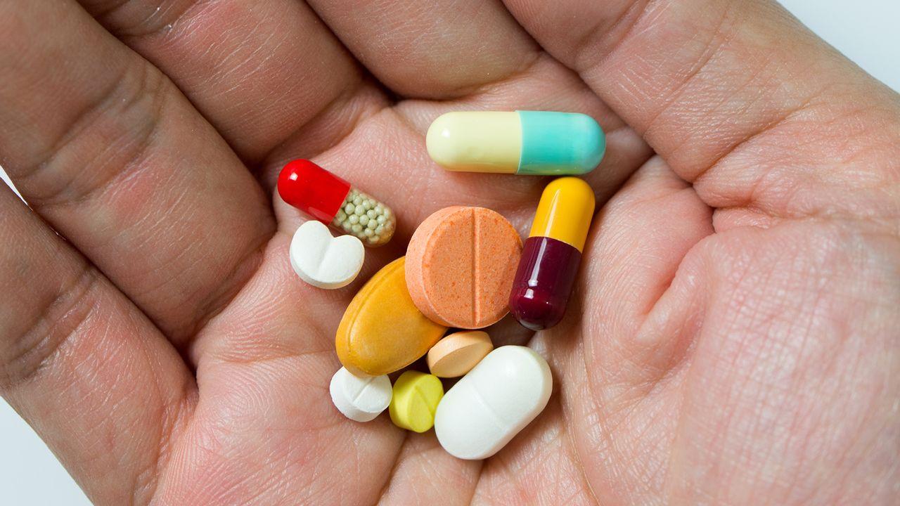 De nombreuses personnes prennent différents médicaments quotidiennement. Kenishirotie Fotolia [Kenishirotie - Fotolia]