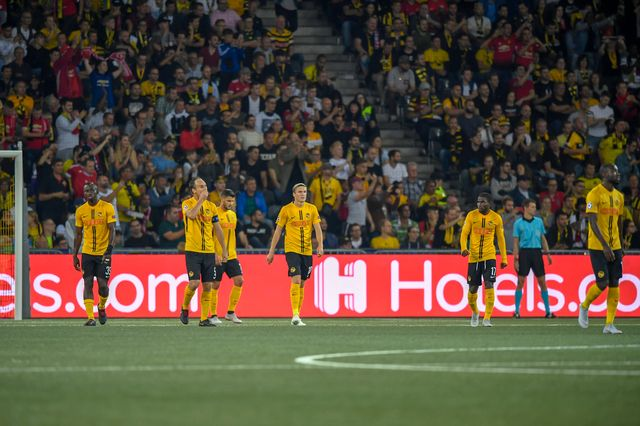 La déception des Bernois après leur défaite en Ligue des champions. [Anthony Anex - Keystone]