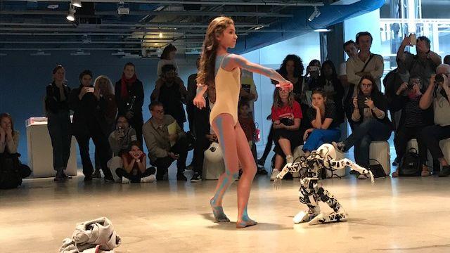 Performance au Centre Pompidou à Paris de la compagnie Shonen. [Manuela Salvi - RTS]