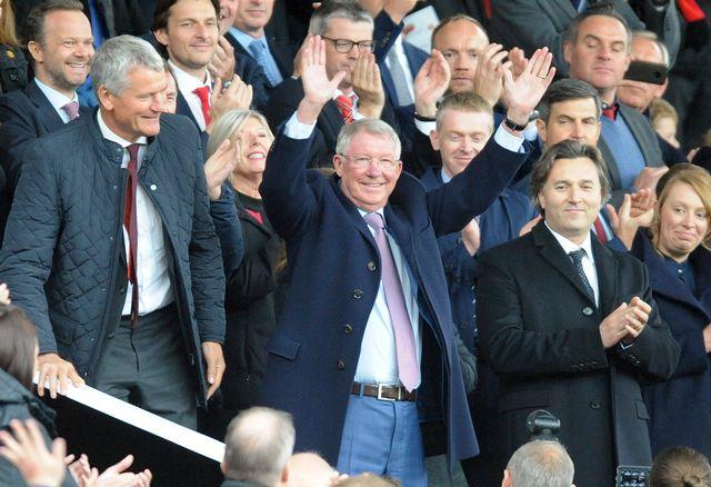 Sir Alex Ferguson a été ovationné lors de son entrée dans les travées d'Old Trafford. [Rui Vieira - Keystone]