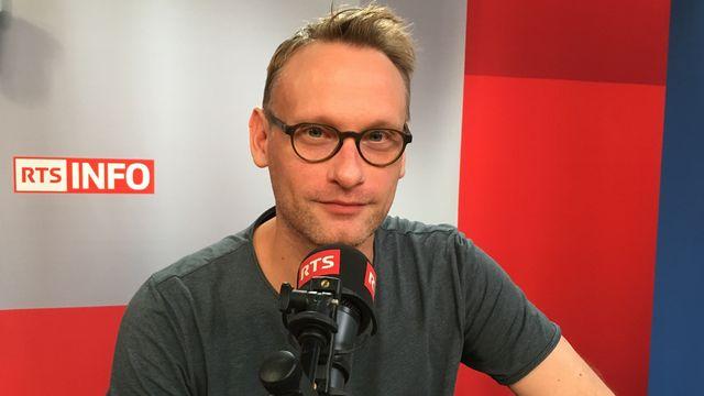 """L'acteur Sébastien Dutrieux joue trois rôles dans """"L'Histoire du soldat"""". [Eric Butticaz - RTS]"""