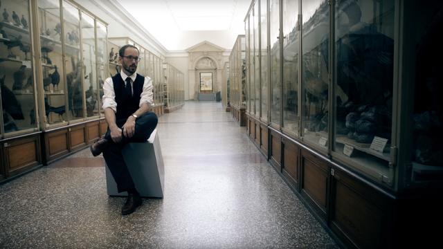 """La série """"Penny Dreadful"""" expliquée par Vincent Fontana, Chargé d'enseignement au Département d'histoire générale de l'Université de Genève. [Capture d'écran - RTS /La Souris Verte]"""