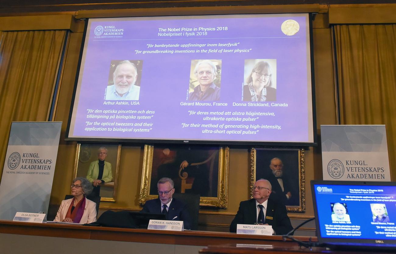 """Résultat de recherche d'images pour """"prix Nobel de physique 2018"""""""