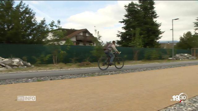 Certains cyclistes rêvent, en Suisse, d'autoroutes à vélos comme il en existe au Danemark [RTS]