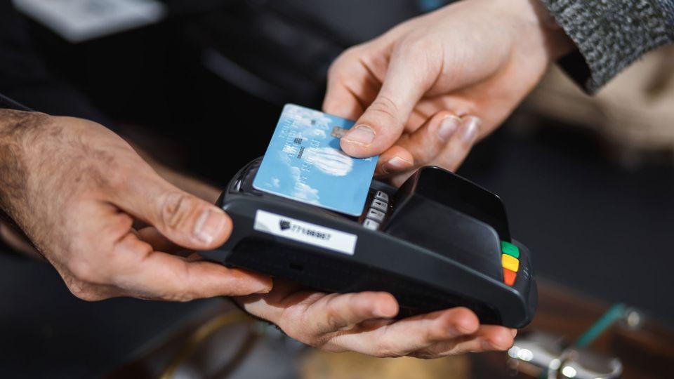 Le paiement sans contact se généralise. [agababjan - Fotolia]