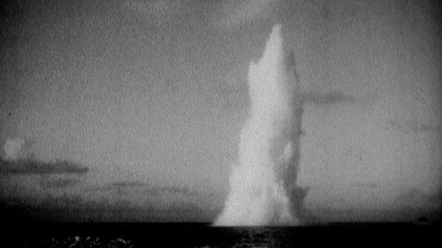 Les essais nucléaires français dans le Pacifique Sud. [RTS]