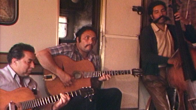 Musiciens tsiganes en 1984. [RTS]