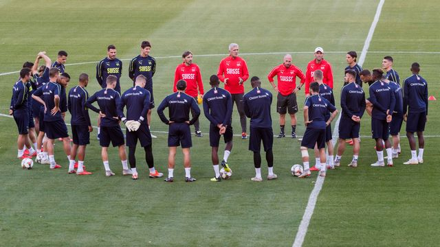 L'équipe nationale de football de Suisse lors d'un entraînement en vue du match contre la Belgique, le 12 octobre 2018. [Geert Vanden Wijngaert - AP/Keystone]