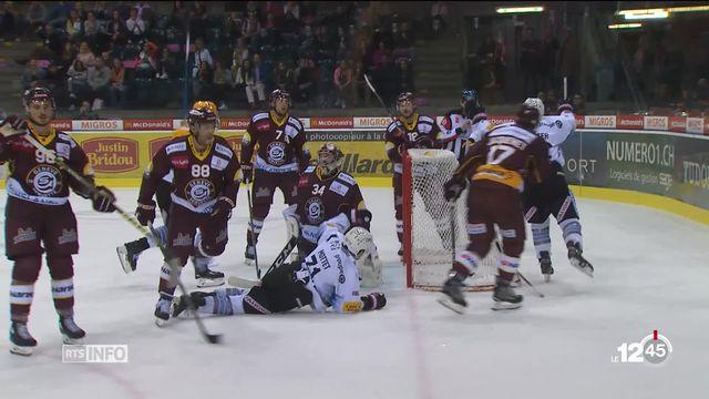 En hockey sur glace, Genève-Servette a battu Fribourg-Gottéron dans les dernières secondes samedi soir. [RTS]