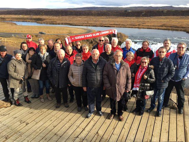 Les membres du Fans Club de Lumino sont prêts à supporter la Suisse en Islande. [RTS]