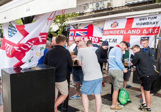 Quelque 3'000 supporters anglais assisteront à la rencontre à Séville. [Raul Caro - Keystone]