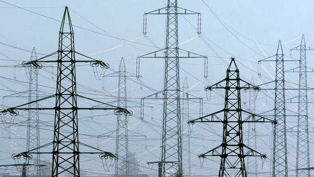 Avec le projet, la population devrait pouvoir choisir librement son fournisseur d'électricité. [Alessandro Della Bella - Keystone]