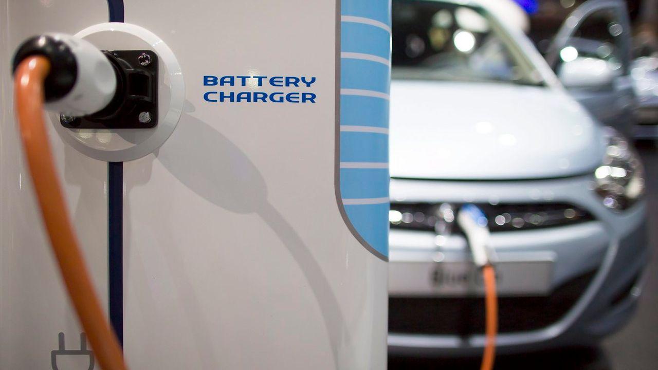 L'objectif de l'investissement est de rattraper le retard pris par la voiture électrique européenne. [Ian Langsdon - Keystone]