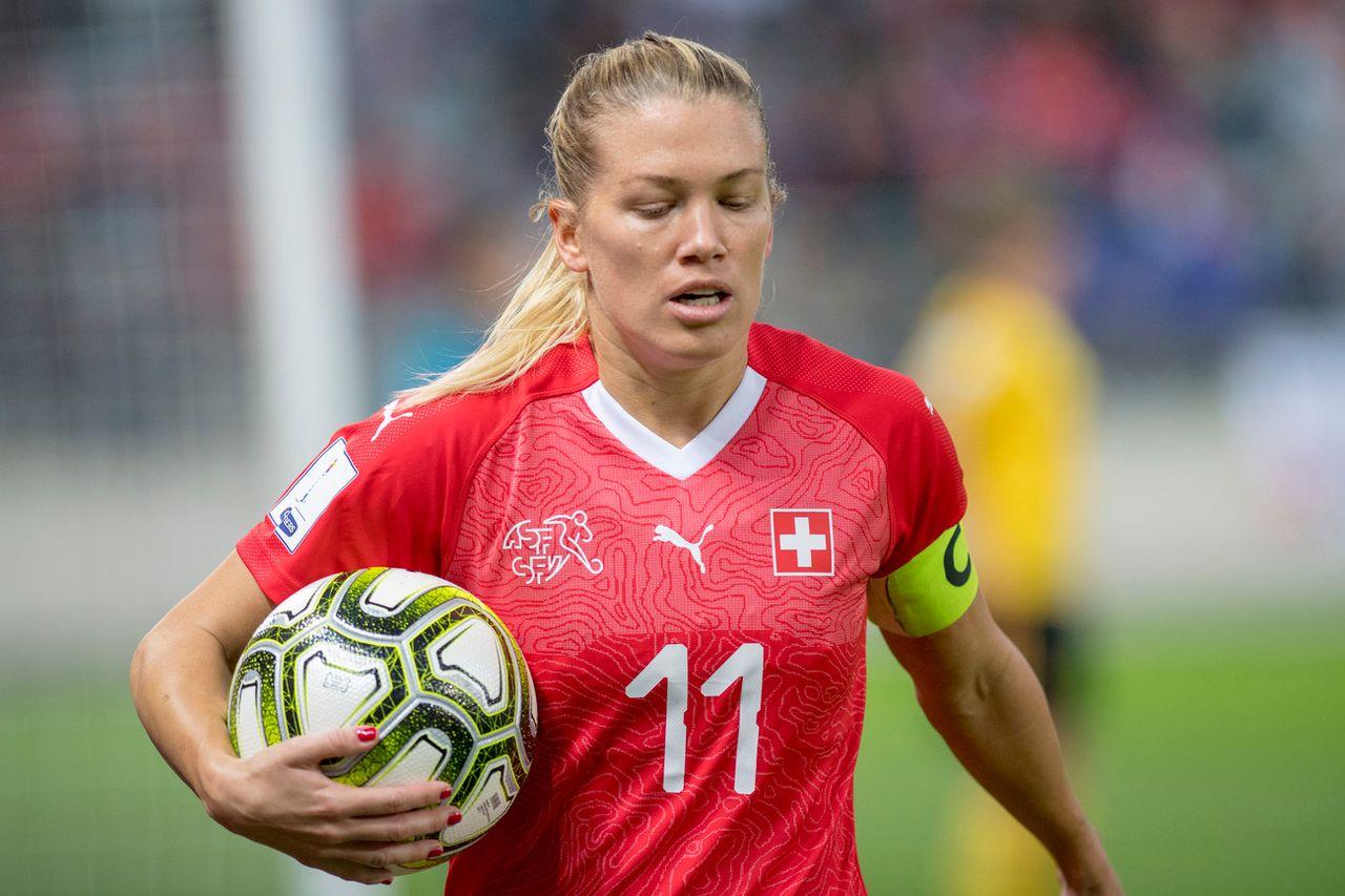 L'emblématique joueuse de l'équipe de Suisse ne pourra tenir sa place. [Marcel Bieri - Keystone]