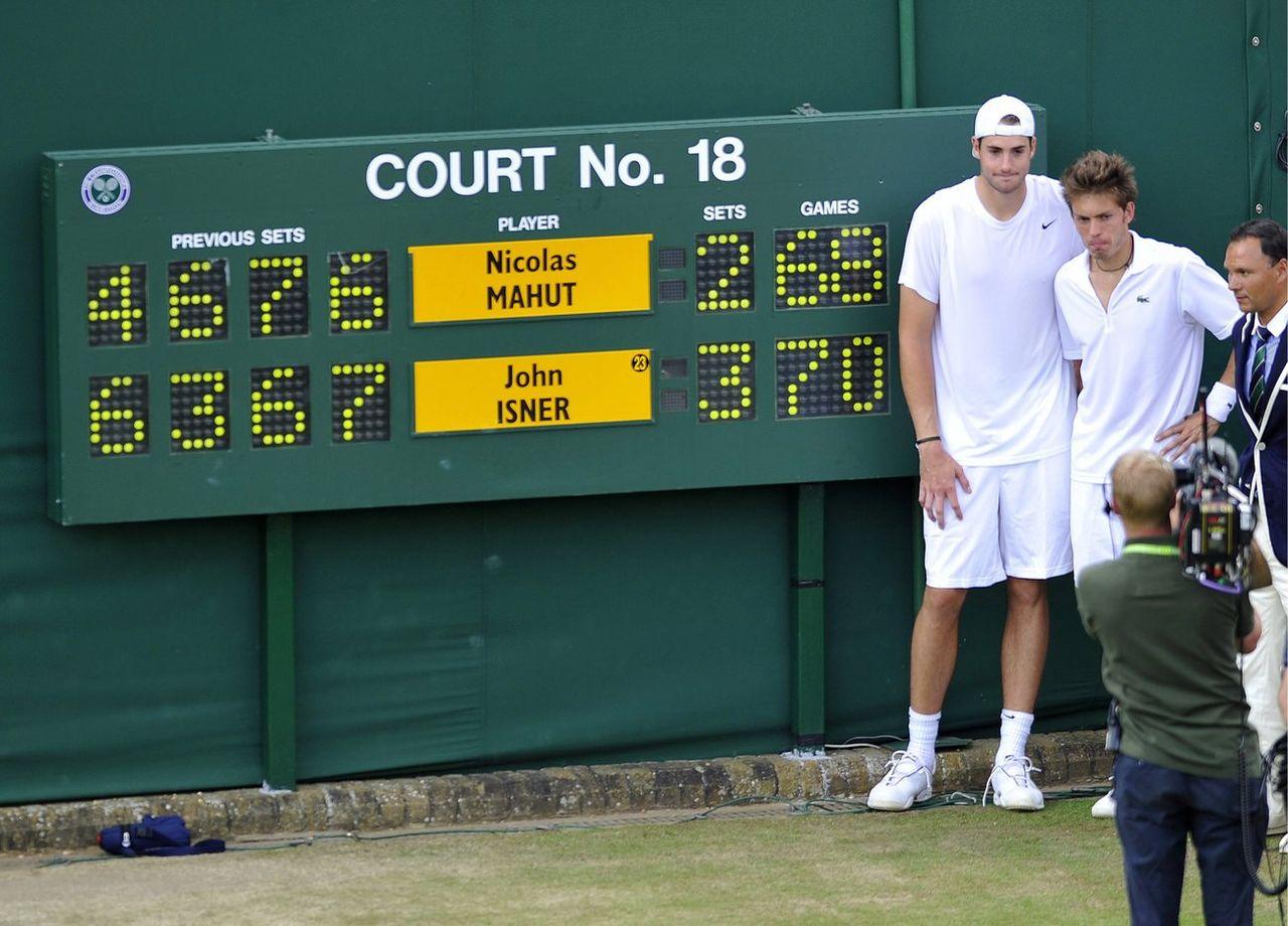 Le 24 juin 2010, John Isner avait battu Nicolas Mahut 70-68 au 5e set. [Neil Munns - Keystone]