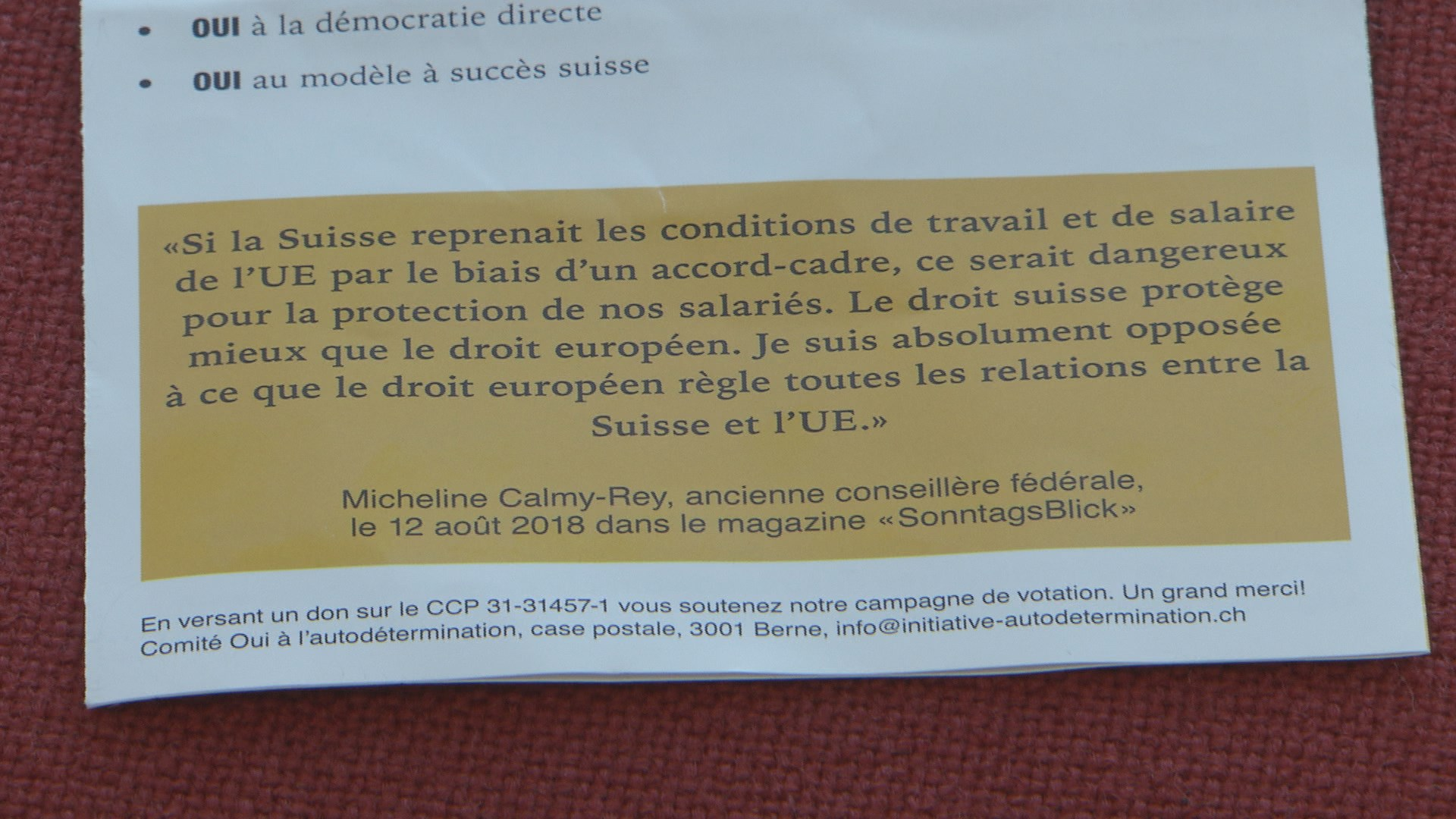 La citation de Micheline Calmy-Rey dans le flyer de l'UDC.