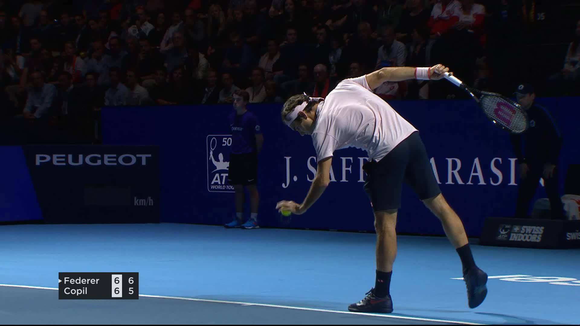 Finale R. Federer  M. Copil : Federer gagne le premier set
