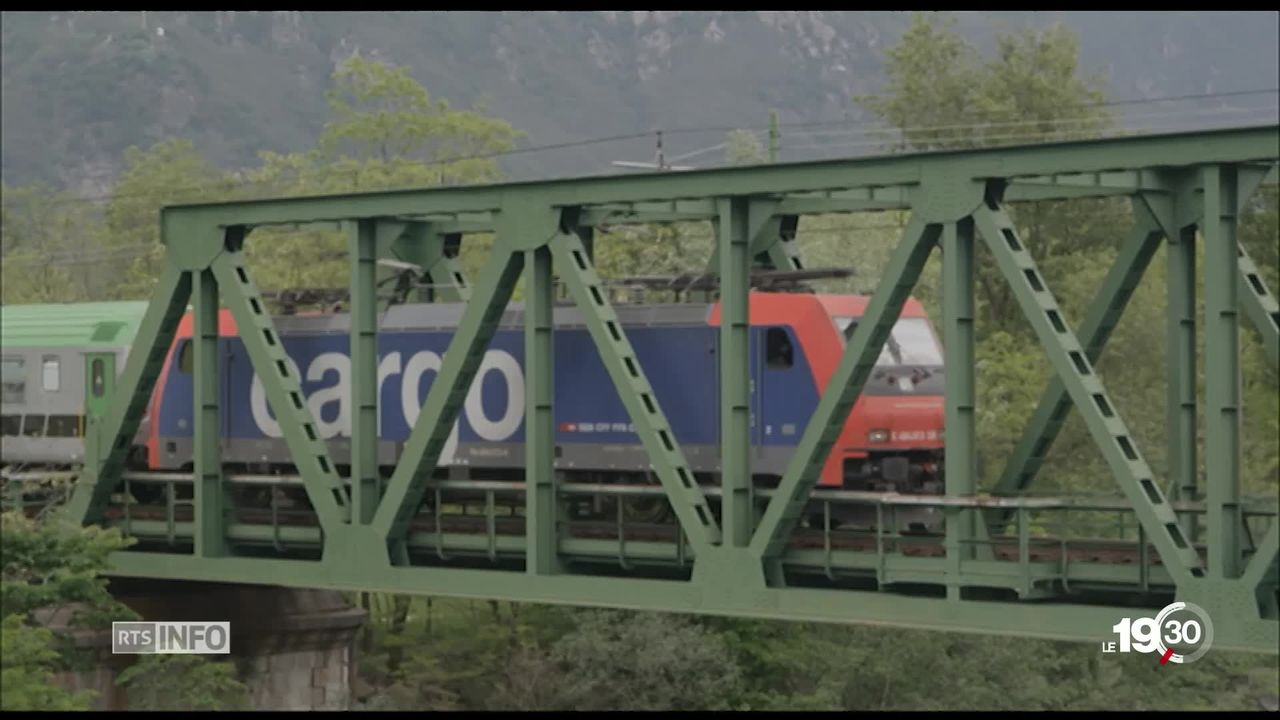 Trafic ferroviaire: le deuxième tube du Lötschberg en bonne voie [RTS]