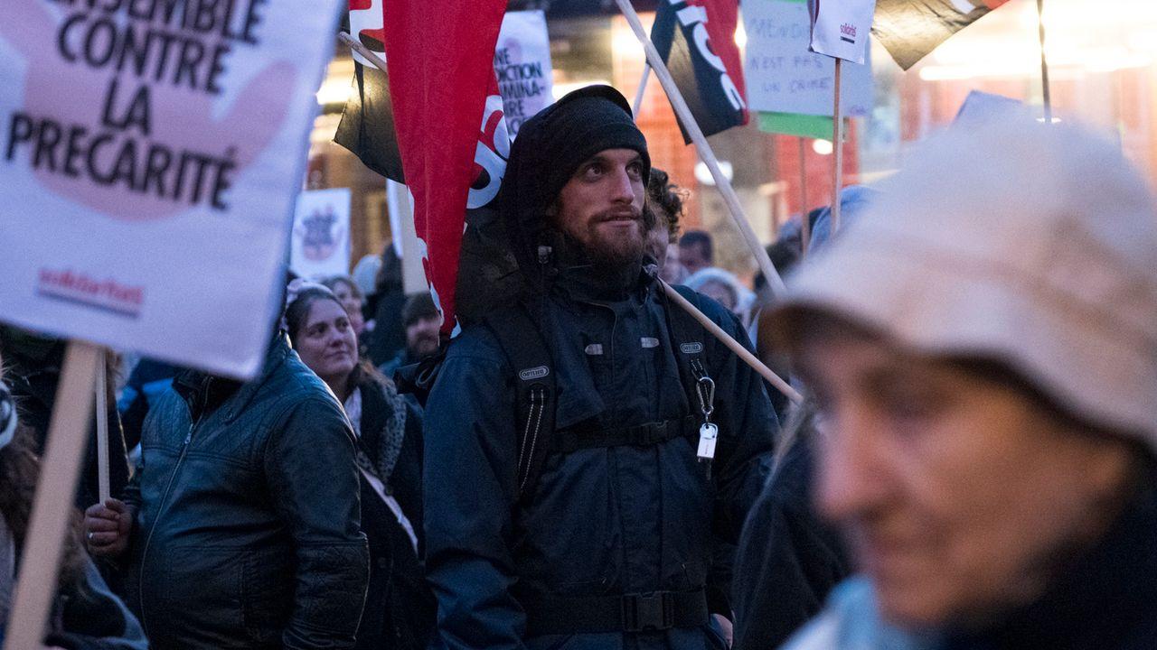 La manifestation sur la place de l'Europe à Lausanne, jeudi soir. [Adrien Perritaz - Keystone]
