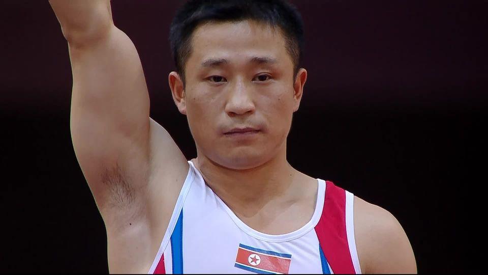 Doha (QAT), gymnastique artistique hommes: Ri Se Gwang ((PRK) champion du monde au saut de cheval [RTS]