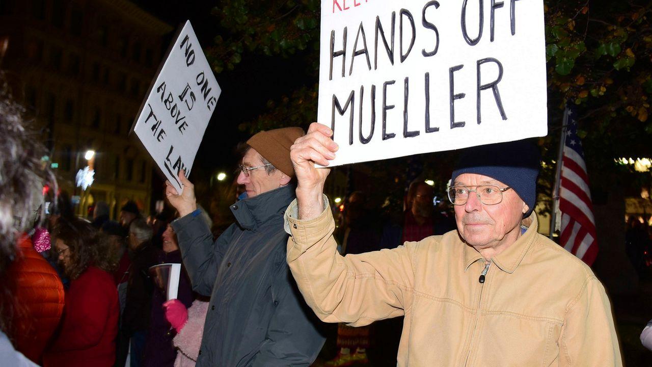 Manifestants à Pittsfield, jeudi 8 novembre 2018. [Gillian Jones - Berkshire Eagle/AP/Keystone]