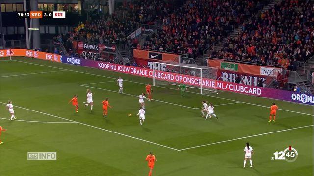 L'équipe suisse féminine de foot voit la Coupe du monde 2019 s'éloigner après sa défaite 3-0 face aux Néérlandaises en barrage de qualifications. [RTS]